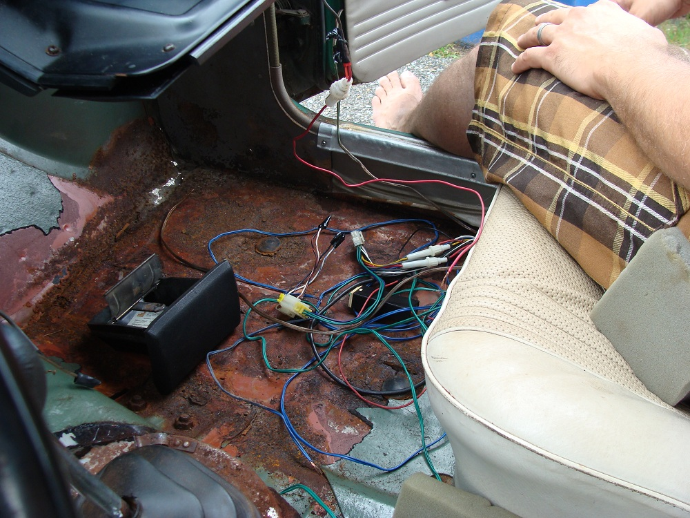 datsun 510 radio wires almost all removed